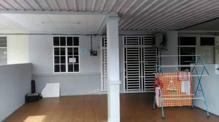 rumah teres setingkat bertam putra untuk dijual_porch