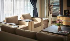 undercons teres dua tingkat darulaman perdana untuk dijual_living area